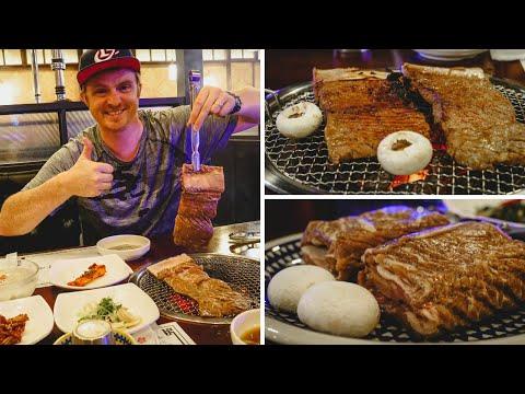 GALBI (갈비) - Eating delicious KOREAN BARBECUE BEEF RIBS in Seoul, Korea