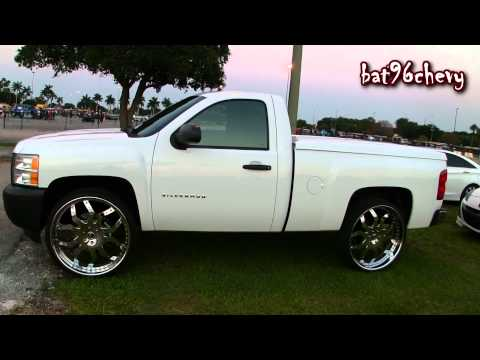 2012 Chevy Silverado 1500 Truck on 28