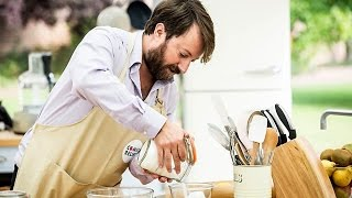 The Great Comic Relief Bake Off - S02E03 - David Mitchell, Sarah Brown, Michael Sheen, Jameela Jamil