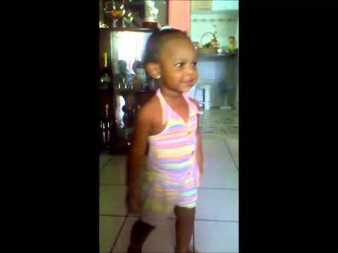 Baixar Isabelle dançando ao som de Pablo - bom dia meu bebê, te amo meu bebê.