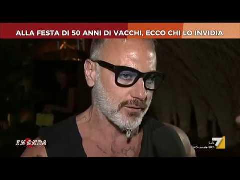 Alla festa di 50 anni di Gianluca Vacchi, ecco chi lo invidia