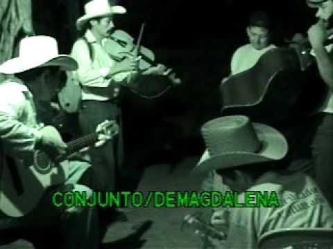 conjunto de Magdalena Intibuca,Honduras(cancion la botella)