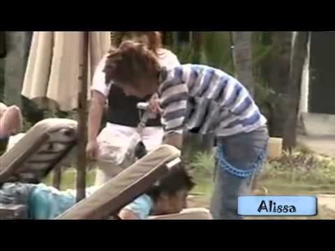 Eunhyuk massaging Donghae's back - EunHae