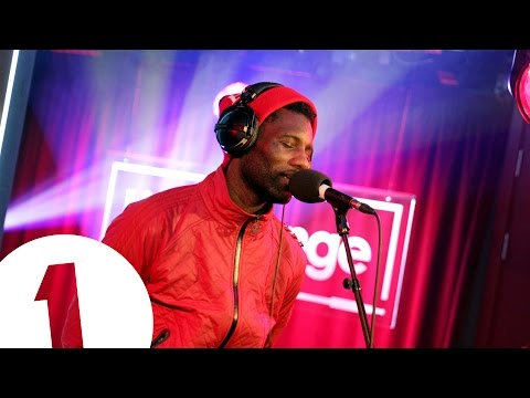 Baixar Wretch 32 covers Ed Sheeran's Thinking Out Loud in the Live Lounge