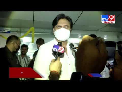 Pawan Kalyan visits hospital to see accident met Sai Dharam Tej; watch his first reaction