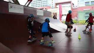 6 year old learns to skateboard (2018-8-18) -3