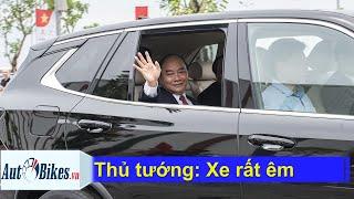 Thủ tướng Nguyễn Xuân Phúc trải nghiệm xe VinFast, đích thân Chủ tịch Phạm Nhật Vượng cầm lái