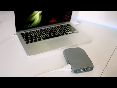 MacBook Power Bank!? Omnicharge Hands On | Review