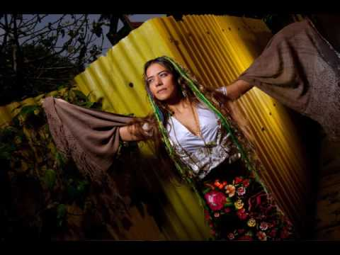 Lila Downs - La Iguana