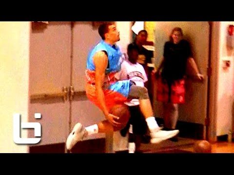 Zach LaVine EASTBAY Dunk In Game vs Jamal Crawford's Team at Seattle Pro Am!