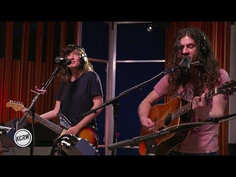 Courtney Barnett and Kurt Vile performing