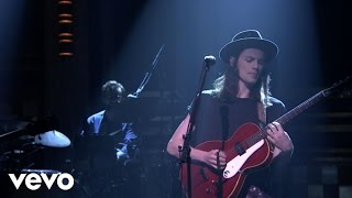 James Bay - Hold Back The River (Live On The Tonight Show Starring Jimmy Fallon)