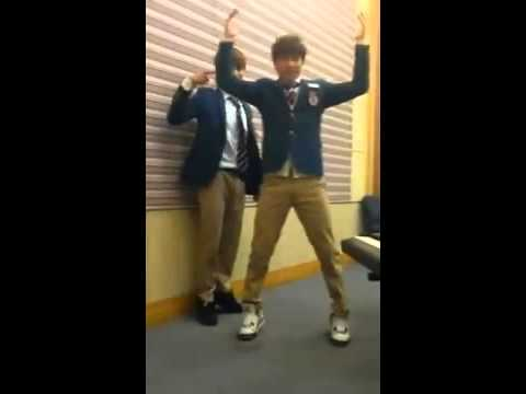 131107 EXO Suho & Kai Dancing To SHINee Everybody