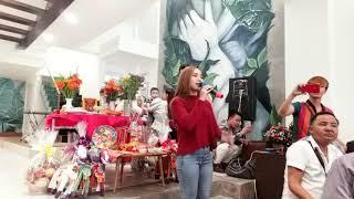 Giỗ tổ ngành sân khấu tại nhà Hồ Quang Hiếu 2018. Tiếng hát Wendy Thảo