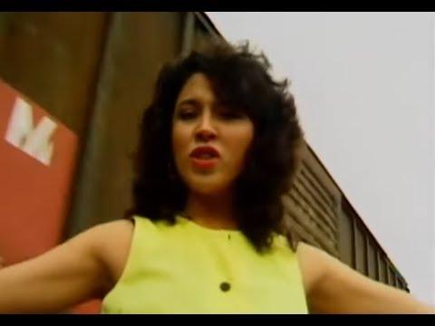 Los Llayras 1997 Ámame voz: Monica Resendiz