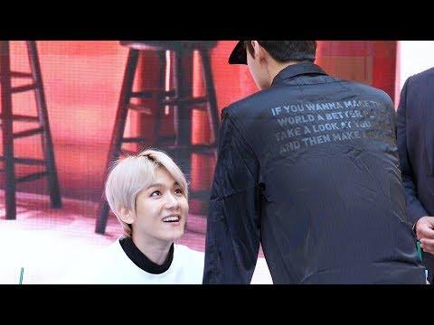백현(BaekHyun) 팬싸에 깜짝 등장한 세훈(Sehun) 발견 후 활짝 핀 미소 @엑소-첸백시 팬사인회 (EXO-CBX Fansign Event) 4K 직캠 by 비몽