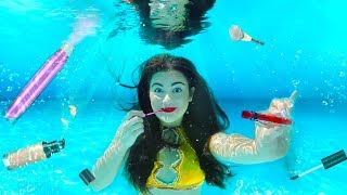 Doing my Makeup Underwater! Extreme Makeup Challenge