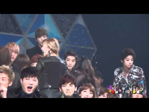 [111229] f(x) - Finding the seats @ SBS Gayo Daejun [FANCAM]