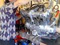 Motor Suzuki gs 750 prendido fuera de chasis