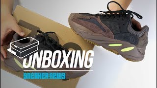 """Yeezy Boost 700 """"Mauve"""" Unboxing + Review"""