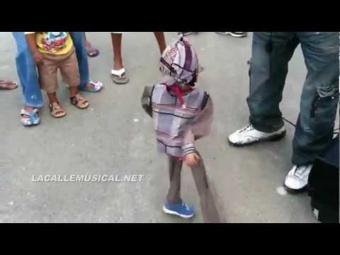 Marioneta Bailando El Teke Teke En Un Colmadon