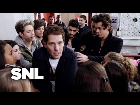 One Direction Concert Line - Saturday Night Live