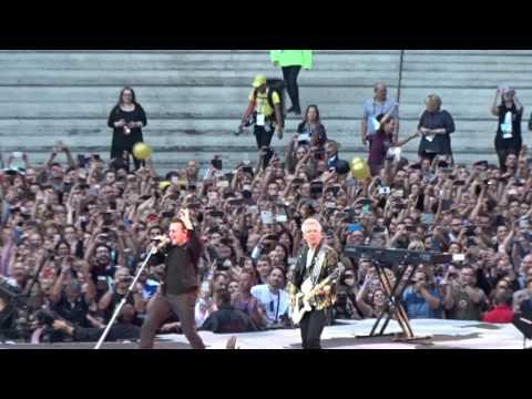 Arrivée sur scène / U2 / The Joshua Tree Tour / Stade de France 25 Juillet 2017