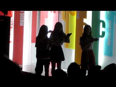 [FANCAM] 120901 MC TaeTiSeo dancing to Gangnam Style -Music Core Behind The Scene