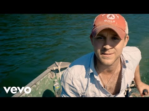 Justin Moore - Bait A Hook (Official VIdeo)