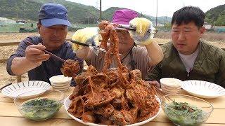 조개,낙지,새우 등등 푸짐한 해산물로 [[해물찜(Braised Spicy Seafood)]] 요리&먹방!! - Mukbang eating show