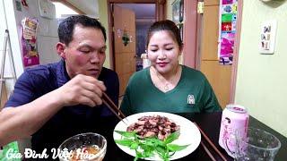 🇰🇷260 || Ông xã lần đầu ăn mực sữa chiên nước mắm || Gia Đình Việt Hàn
