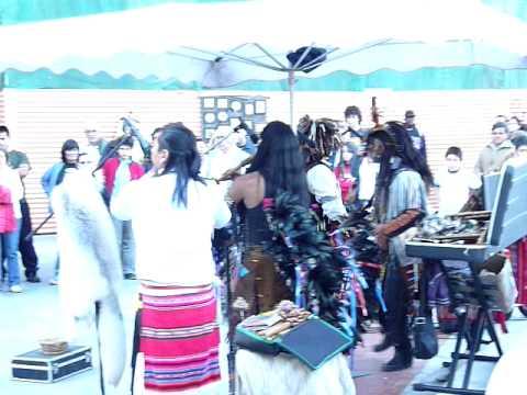 Danzas de indios americanos no San Froilán