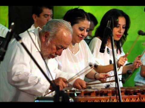 El Bolonchon, con la Marimba Peña Rios
