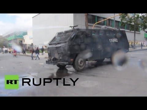 60000 человек вступили в столкновения с полицией в Колумбии