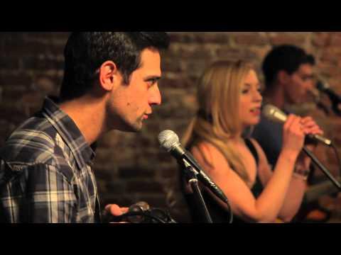 Baixar Emily Kinney - Julie (Live)
