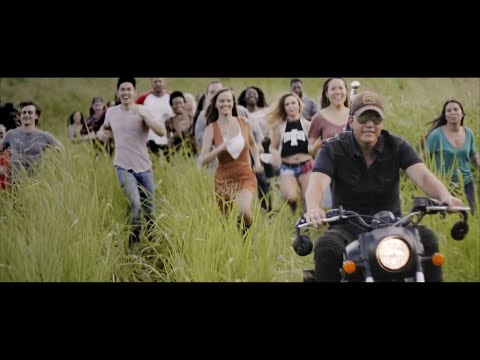 Rodney Atkins - Caught Up In The Country (Official Music Video)
