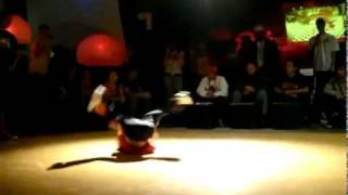 C u bé 8 tu i nh y breakdance siêu d ng   Chuy n l    Dân trí 2