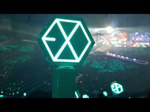 180713 14 15 EXO-L singing ElyXiOn dot in Seoul