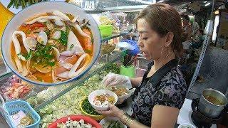 Cách chị Heo bán 70 kg bún Thái mỗi ngày gây ghiền giới nghệ sĩ
