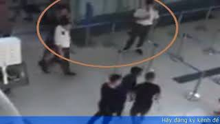 Nữ tiếp viên hàng không bị đánh đập    Nhân viên an ninh sân bay không có động thái gì.