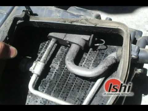 Ar condicionado automotivo higienização