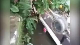 Xem Hiện trường Xe khách lao thẳng xuống cầu ở Tiên Phước, Quảng Nam
