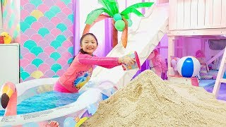 Bug Transform her Room into A Beach