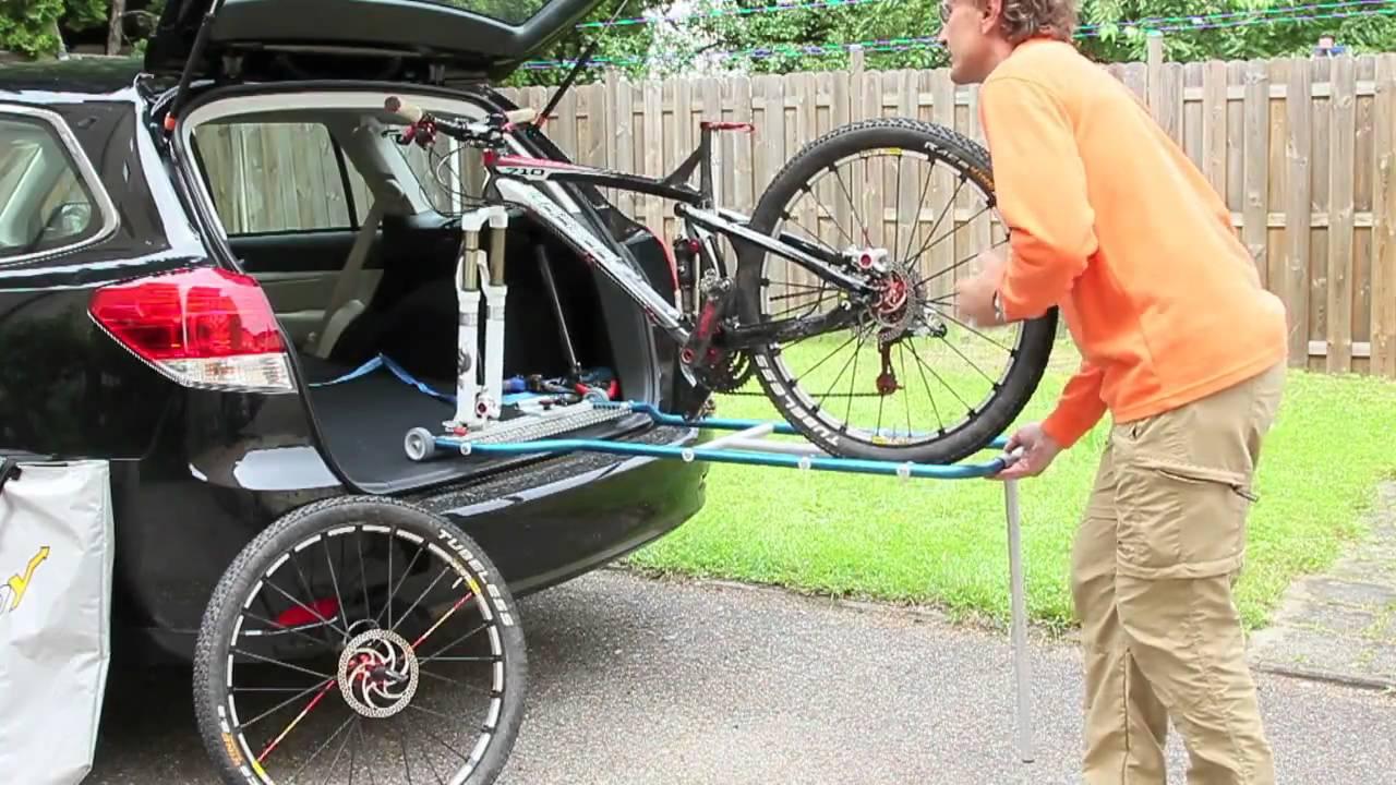 veloboy eine einladehilfe und ein fahrradtr ger f r den autoinnenraum youtube. Black Bedroom Furniture Sets. Home Design Ideas