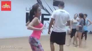 Clip Angela Phương Trinh tập nhảy ngày 8.3