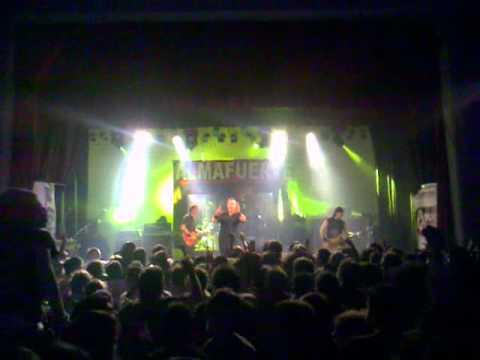 Almafuerte - Patria al hombro (en vivo) 31/03/12