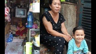 2 bà cháu tá túc giữa khe hở rộng tầm 1 mét vuông, bé mong ước được đến trường