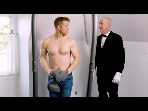 Former Bachelor Sean Lowe Makes His Butler Take a Bath With Him!