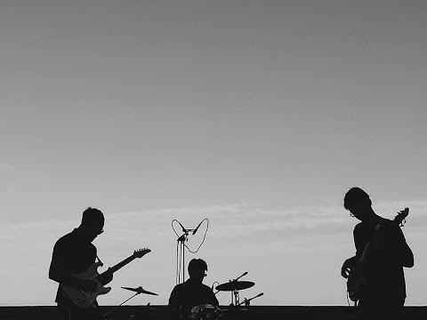Погледнете го онлајн настапот на Кире Мирчовски и неговиот бенд