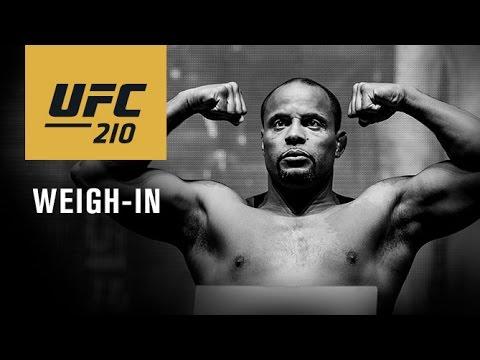 Ceremonia oficjalnego ważenia przed UFC 210 na żywo w MMAnews o 22:00 (+wyniki)